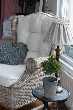 I like the idea of just the upholstered part of this chair...for my PaPa's old chair that I have.  I'm thinking of painting the chair vintage white, too!