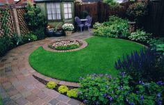 Google Image Result for http://www.landscaper.org.uk/assets/circular_garden_water_feature.jpg