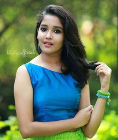 Anikha Surendran photoshoot stills by Sreekkuttan Sree photography. Malayalam actress Anikha Surendran latest photoshoot stills. Beautiful Girl Photo, Beautiful Girl Indian, Most Beautiful Indian Actress, Beautiful Actresses, Indian Natural Beauty, Indian Beauty Saree, Stylish Girl Images, Stylish Girl Pic, Child Actresses