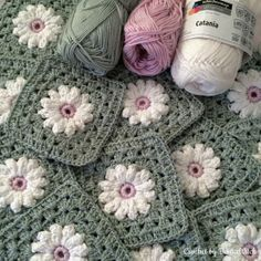 Transcendent Crochet a Solid Granny Square Ideas. Inconceivable Crochet a Solid Granny Square Ideas. Motif Mandala Crochet, Granny Square Crochet Pattern, Crochet Blocks, Crochet Squares, Crochet Blanket Patterns, Crochet Granny, Granny Squares, Easy Granny Square, Baby Afghan Patterns
