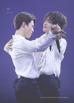 """taehyung looks at jimin like he has been in love with jimin for a long long time"" Bts Taehyung, Namjoon, Bts Jimin, Bts Bangtan Boy, Rapmon, Jimin Jungkook, Foto Bts, Bts Photo, Jikook"