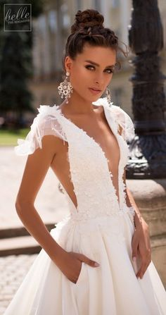 Littea 2019 Blue Mountain Bridal Collection features drop-dead gorgeous silhouettes and wedding dresses that are a perfect fit for the modern bride. Disney Wedding Dresses, Dream Wedding Dresses, Bridal Dresses, Floral Tea Dress, Wedding Dress Gallery, Sophisticated Bride, Wedding Dress Accessories, Dream Dress, Bridal Collection