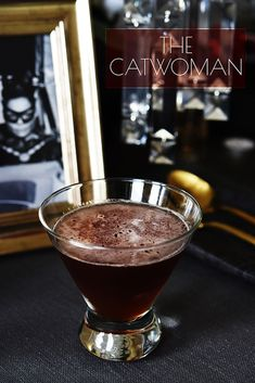 Everyone loves cocktails. But if you are a fan of the Dark Knight, these party cocktails are just for you, Batman themed cocktails for a perfect party Cocktail Drinks, Fun Drinks, Yummy Drinks, Cocktail Recipes, Beverages, Whiskey Cocktails, Whisky, Bourbon Whiskey, Grape Vodka