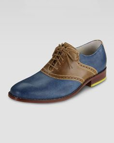 Love the yellow heel.