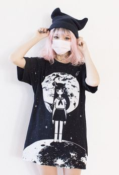 A half goth kawaii outfit Japanese Street Fashion, Tokyo Fashion, Harajuku Fashion, Korean Fashion, Japanese Kawaii Fashion, Harajuku Makeup, Japanese Girl, Outfits Clueless, Cool Outfits