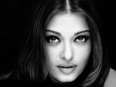 Aishwarya Rai - most beautiful eyes celebrities Actress Aishwarya Rai, Aishwarya Rai Bachchan, Bollywood Actress, Mangalore, Black And White Portraits, Black And White Pictures, Black White, Aishwarya Rai Wallpaper, Black Top And Jeans