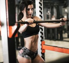 1. Accelerates fat-loss when combined with cardio Having an exercise regimen that relies solely on cardio for fat-loss will eventually lead to stagnation as your metabolic rate will continue to drop as your body adapts to the demand you put on it.