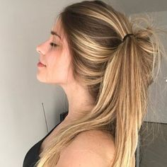 these 80 prom hairstyles for long hair of prom hair ideas will make your look steal the show. Braided Hairstyles Updo, Formal Hairstyles, Wedding Hairstyles, Cool Hairstyles, Updo Hairstyle, Braided Updo, Side Ponytail Wedding, Wedding Updo, Peinado Updo