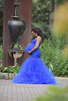 Ideas wedding dress mermaid sweetheart engagement photos for 2020 Royal Blue Maternity Dress, Fitted Maternity Dress, Maternity Gowns, Maternity Wedding, Wedding Engagement, Maternity Pictures, Engagement Photos, Tulle Baby Shower, Baby Shower Dresses