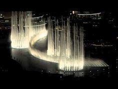 Llega el buen tiempo y como que apetece pasear, ¿verdad? A esa fuente que tan bien conoces y a la que ahora el ayuntamiento ha decidido iluminar con LEDs. ¡Una pasada! Pero no es la única. ¿Quieres conocer las mejores fuentes del mundo iluminadas con esta tecnología? ¡Te invitamos a viajar sin salir de tu habitación!