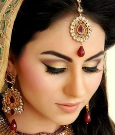 Indian bridal makeup looks inspiration 8