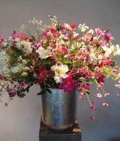 Zijden bloemstukken huren - Bloemstukken kantoor, evenementen en bruiloften - Bloemstukservice.nl