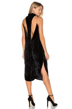AGAIN Stanley Velvet Dress em Preto | REVOLVE                                                                                                                                                                                 Mais