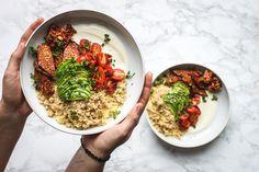 Savory tempeh breakfast bowl by Kwiek