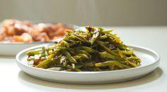 Rețetă de mâncare de păstăi verzi. Acest preparat este unul gustos, dar și foarte sănătos. Nu este nevoie nici să petreceți foarte mult timp în bucătărie. No Cook Desserts, Coco, Green Beans, Cooking, Recipes With Vegetables, Dishes, Healthy Fast Food, Foodies, Side Dishes