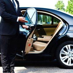 Most professional companies of airport taxi Farnham have an extensive fleet of luxury and executive class vehicles of various famous brands such as Mercedes, Audi, BMW, Limousine and many other automobiles. Luxury Car Rental, Luxury Cars, Town Car Service, Private Car Service, Private Jets, Transportation Services, Ground Transportation, Airport Transportation, Party Bus