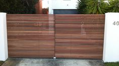 Hardwood horizontal 40mm slat double swinging gates