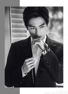 Yang Yang: Chinese Actor _ Keep me smiling jst looking at you - Tq _sam Yang Chinese, Chinese Fans, Chinese Boy, Cute Actors, Handsome Actors, Handsome Boys, Asian Actors, Korean Actors, The Kings Avatar