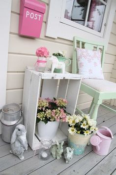 Barbros lille atelier: Vi fikser litt her, og vi fikser litt der...  Love the pink mailbox