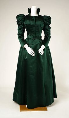 Visiting dress ca. 1897 via The Costume Institute of The Metropolitan Museum of Art Vintage Outfits, Vintage Gowns, Vintage Mode, Vintage Hats, 1890s Fashion, Edwardian Fashion, Vintage Fashion, Steampunk Fashion, Gothic Fashion