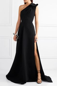 Maticevski - Virtuoso one-shoulder cady gown Maticevski Elegant Dresses Classy, Elegant Dresses For Women, Classy Dress, Gala Dresses, Event Dresses, Long Dresses, Formal Gowns, Strapless Dress Formal, Black Formal Gown
