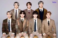 Foto Bts, Bts Photo, Bts Taehyung, Bts Bangtan Boy, Bts Jimin, Jungkook Cute, 8th Anniversary, Bts Group Photos, Bts Group Picture