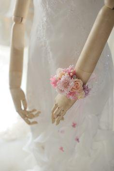 花嫁様を花で飾る 麻布セントメアリー教会様へ : 一会 ウエディングの花