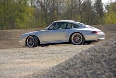 Porsche 911 993 Carrera S Porsche 993, Porsche Autos, Porsche Cars, Porsche Carrera, Porsche Classic, Vintage Porsche, Car In The World, Car Brands, Car Manufacturers