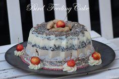 Voedertaart voor vogels.   www.facebook.com/ellcake