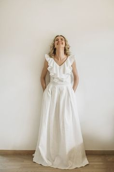 Cozyblue v back linen wedding dress. Every linen dress is made after ordering and according to personal body measurements (made to measure). We work ethically, without the use of factory. In our work we use only Lithuanian linen. Cotton Wedding Dresses, Western Wedding Dresses, Modest Wedding Dresses, Bridal Dresses, Corset Back Wedding Dress, Boho Wedding Dress, Boho Dress, Dress Beach, White Linen Dresses