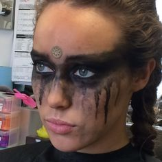 love Lexa. is it weird that I find her war paint kinda sexy??