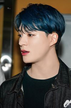 "hourly jeno on Twitter: ""#제노 #NCTDREAM © lead… "" Winwin, Taeyong, Jaehyun, Funny Kpop Memes, Jeno Nct, Nct Dream, My Boyfriend, Medium Hair Styles, Rapper"