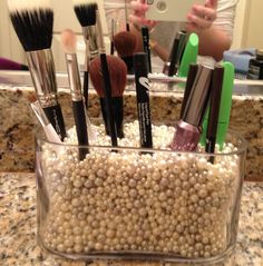 DIY brush storage inspired by MUA!  Pretty & functional