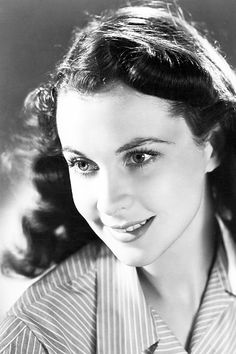 Vivien Leigh in a studio portrait for MGM, C. 1940's. Photo by Laszlo Willinger