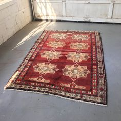 "SHIPS FREE! Vintage Persian Area Rug - 4'7"" x 6'5"""