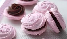 Macarons Roses - Passion 4 baking :::GET INSPIRED::: Macaron Cookies, Macaroons, Chocolate Filling, Chocolate Ganache, How To Make Macarons, Artisan Chocolate, Decorating Tips, Icing, Sweet Treats