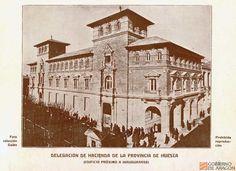 Edificio de la Delegación de Hacienda de Huesca próximo a su inauguración. Foto Colección Galán