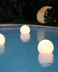 Everyone loves luxury swimming pool designs, aren't they? We love to watch luxurious swimming pool pictures because they are very pleasing to our eyes. Now, check out these luxury swimming pool designs. Swimming Pool Lights, Luxury Swimming Pools, Dream Pools, Swimming Pool Designs, Luxury Pools, Inground Pool Lights, Swimming Pool Accessories, Swimming Pool Toys, Night Swimming