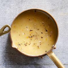 Lemon White Wine Sauce, Lemon Caper Sauce, Greek Lemon Sauce Recipe, Garlic Sauce, Homemade Pasta Sauce Easy, Sauce Recipes, Cooking Recipes, Grandma's Recipes, Light Recipes