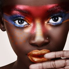 With bold and liberal strokes of colors, avant-garde makeup is not everybody's cup of tea. But with BeautiSecrets, you get to learn and understand some crucial avant-garde eye makeup tips that'll give you the unconventional look. Eye Makeup Tips, Skin Makeup, Beauty Makeup, Makeup Brushes, Makeup Ideas, Fashion Editorial Makeup, High Fashion Makeup, Editorial Hair, Grace Jones