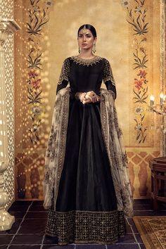 design inspiration — aishwaryaraii: Maria B Bridal Couture 2018 Pakistani Party Wear, Pakistani Couture, Pakistani Dress Design, Pakistani Wedding Dresses, Formal Dresses For Weddings, Pakistani Bridal, Bridal Lehenga, Formal Wedding, Indian Bridal