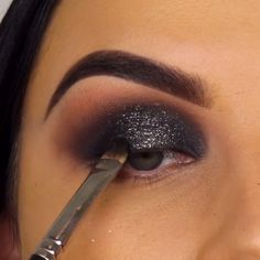 Make-Up Eyeshadow Ideas Makeup Stila Makeup Ideas Eyeshadow Ideas Stila Eyeshadow Smoke Eye Makeup, Black Smokey Eye Makeup, Day Eye Makeup, Smokey Eye Makeup Tutorial, Makeup Eye Looks, Eye Makeup Steps, Beautiful Eye Makeup, Eyebrow Makeup, Skin Makeup