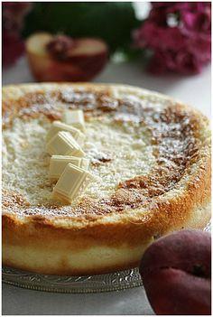Gâteau magique aux deux pèches et au chocolat blanc