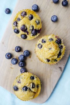 """Schnelle und gesunde Low Carb Muffins aus """"Low Carb Typgerecht"""" Healthy and quick muffins with blueberries and grated coconut, suitable for weight watchers and a low-carb food friend carb recipes recipes Low Carb Desserts, Low Carb Recipes, Diet Recipes, Dessert Recipes, Quick Recipes, Thai Recipes, Egg Recipes, Diabetic Recipes, Vegetarian Recipes"""