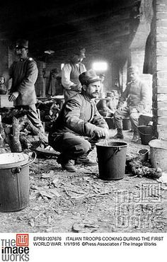 WW1, 1/1/1916. Italian troops cooking. © Press Association / The Image Works