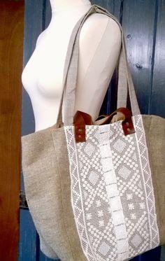 Burlap Hessian Linen and Vintage English di AtelierDinaMalkova