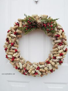 Diy christmas wreaths 377106168797959808 - Make a DIY Christmas wine cork wreath if you are looking an awesome project for cork crafts or wine cork ideas. Simple steps on how to make a cork wreath Source by charbocc Wine Cork Wreath, Wine Cork Ornaments, Wine Cork Art, Wine Cork Table, Snowman Ornaments, Christmas Wreaths To Make, Christmas Wine, How To Make Wreaths, Christmas Decorations