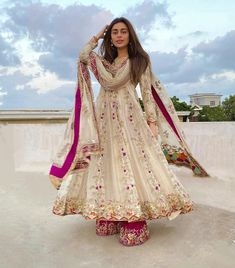 Simple Pakistani Dresses, Pakistani Wedding Outfits, Pakistani Dress Design, Bridal Outfits, Engagement Outfits, Indian Designer Outfits, Indian Outfits, Designer Dresses, Western Outfits