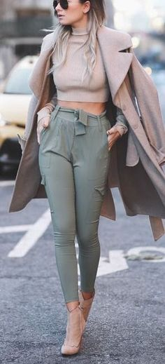 High waist green pants/trousers, trench coat