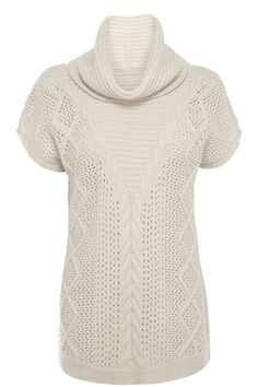 This cosy short sleeve knit features a cowl neckline and plaited stitching detail across the front. The piece is finished with wide short sleeve styling.